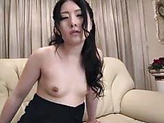 Yua applies superb stimulation on tasty dick