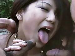 Brunette hottie Hitomi Nakagawa banged outside