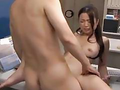 Gal acquires her pussy thrashed by a intruder